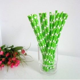 Cannucce di carta verde e bianco